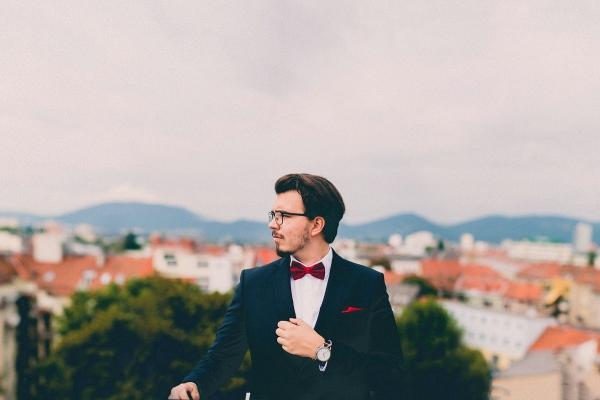 suit-691849_1280(600x400)