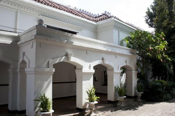 villa-95543_1280(600x400)