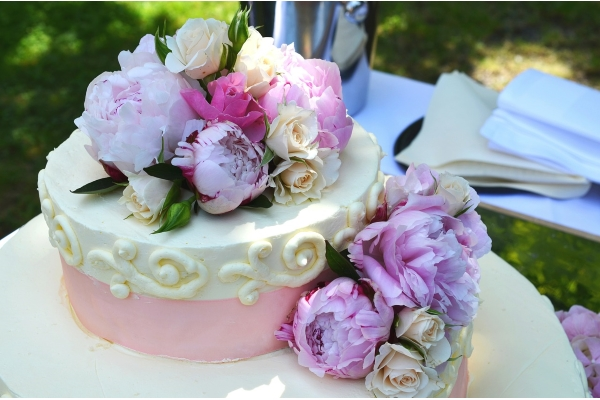wedding-cake-639181_1280(600x400)